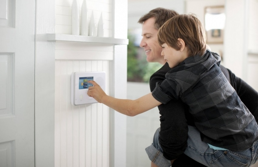 Пример установки видеодомофона в квартиру
